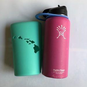 Pink Hydro Flask with Hydro Skin 32 oz